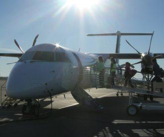 Crew docking a plane